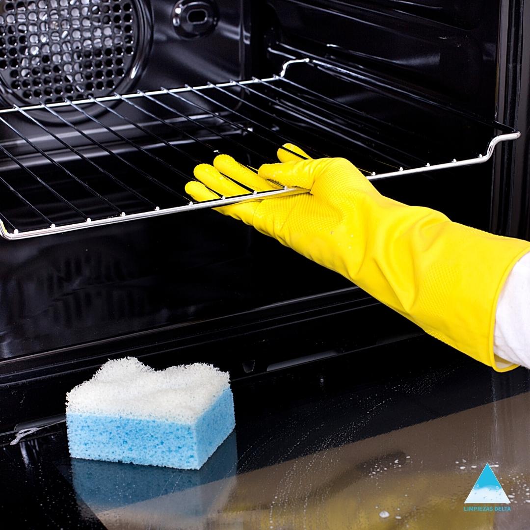 Truco para limpiar rápido el horno rápido